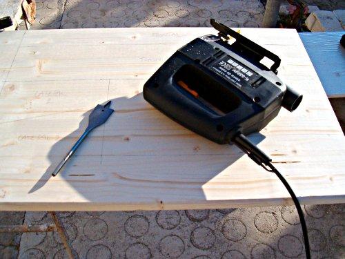 Usaremos la sierra de calar y la taladradora